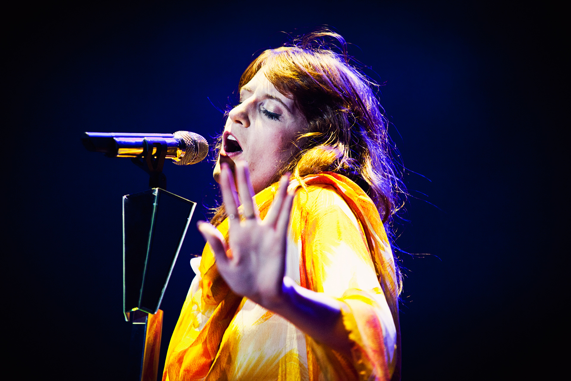 florence-and-the-machine-mariana-pekin-91